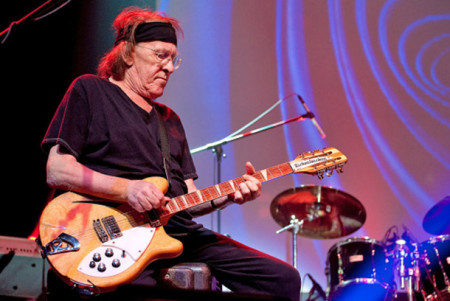ALBUQUERQUE, NM - DECEMBER 31: Paul Kantner, co-founder of Jefferson Starship, performs with The Heroes of Woodstock at Route 66 Casino's Legends Theater on December 31, 2009 in Albuquerque, New Mexico. (Photo by Steve Snowden/Getty Images)